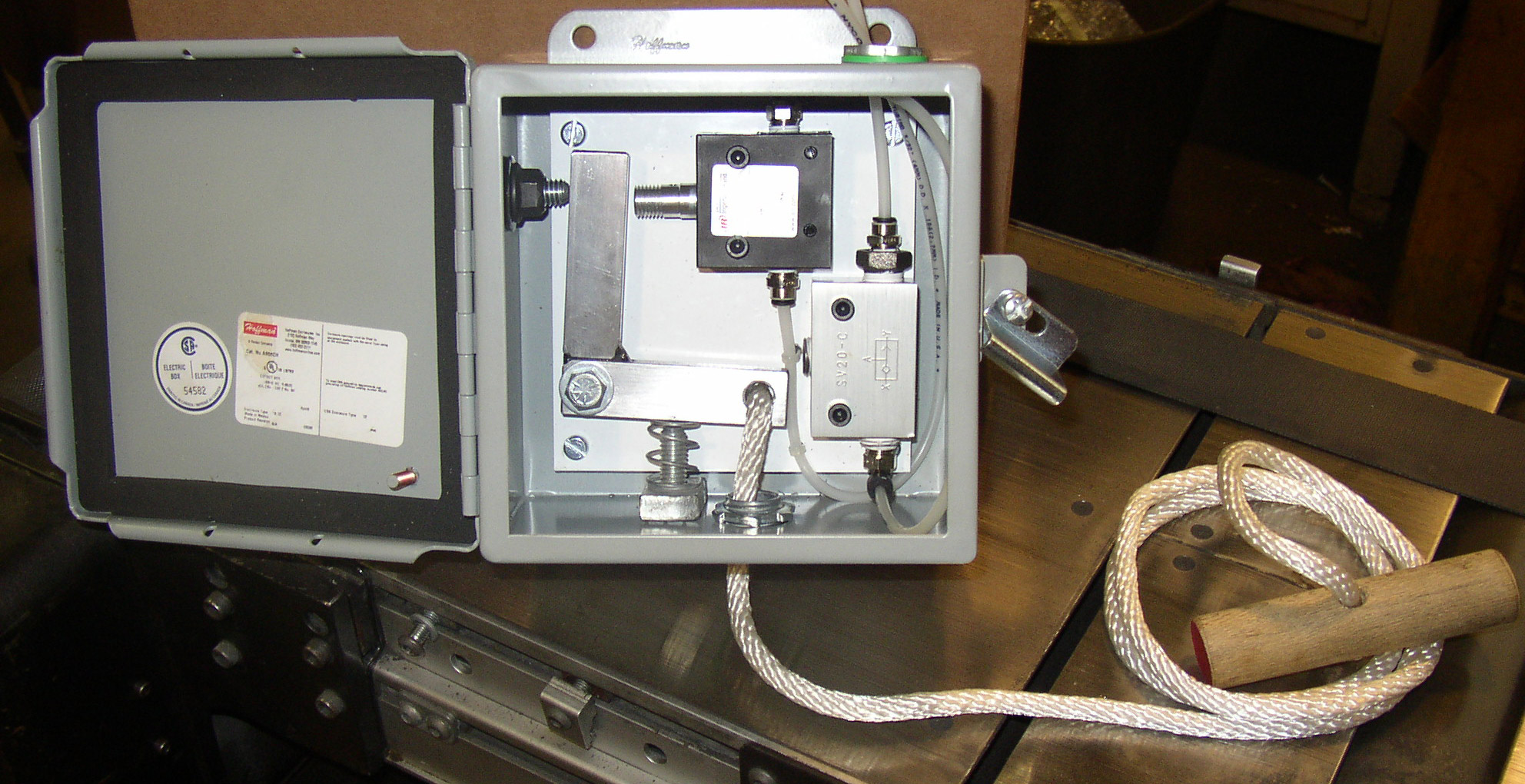Air Logic Control System pull switch